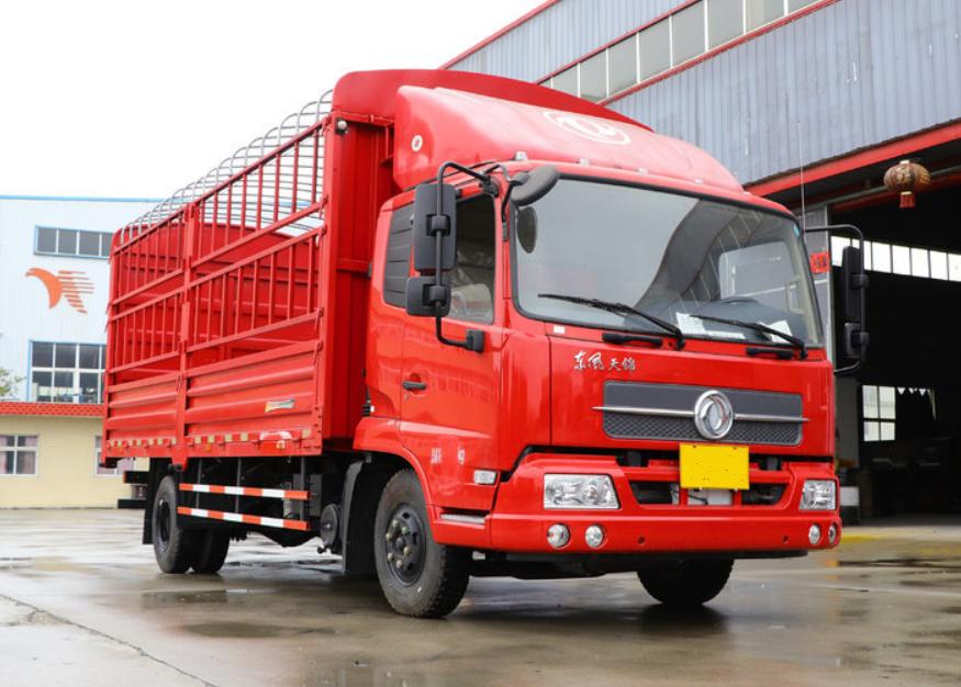 6.8米货车东风商用车 天锦中卡 210马力载重9.975吨仓栅式载货车