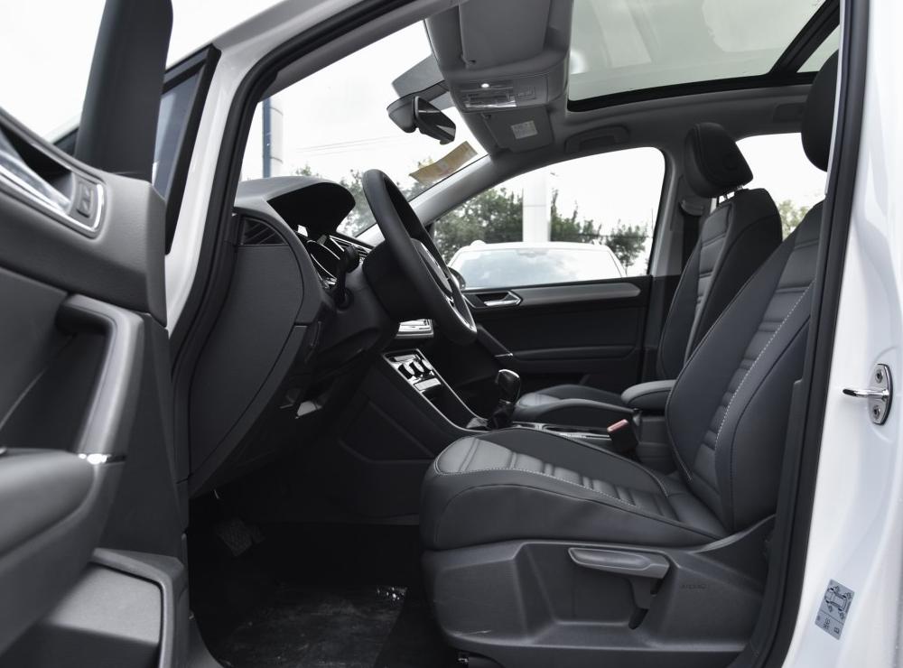 零首付购车车型大众 途安 2018款 L 280TSI 自动舒适版相关图片展示
