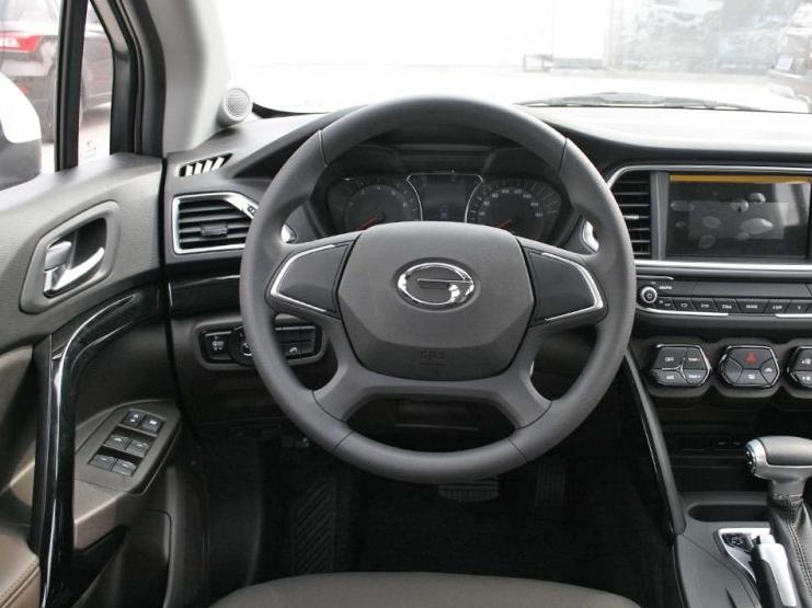 传祺GS4-2017款 200T G-DCT两驱舒适版