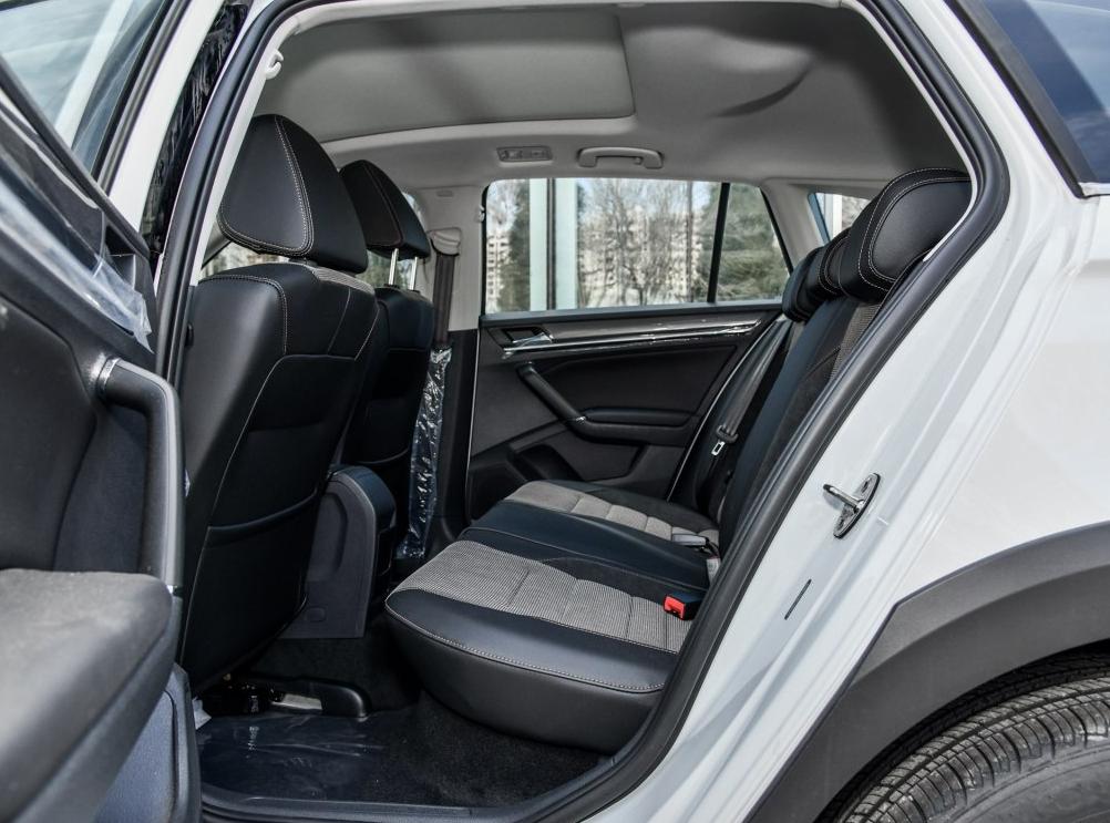 零首付购车车型大众 蔚领 2018款 1.5L 自动舒适型相关图片展示