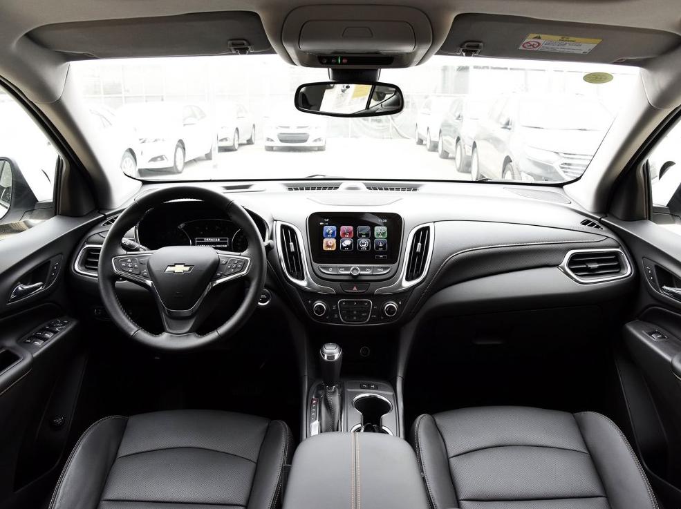 零首付购车车型雪佛兰 探界者 2018款 550T 自动四驱捍界版相关图片展示